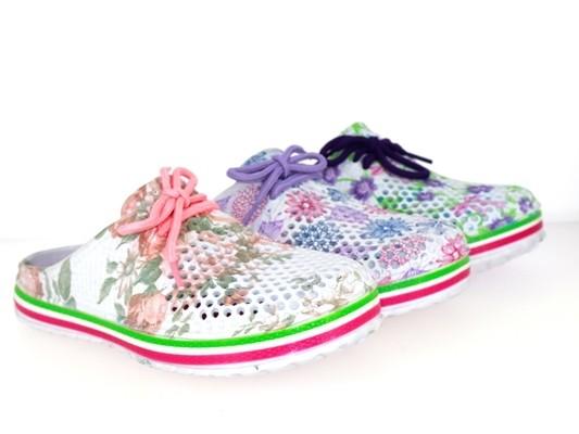 Da.-EVA Clogs, Zierschnürung, mit Löcher und Blumenmuster, Massage-FB, weiß-lila + weiß-fuchsia + w