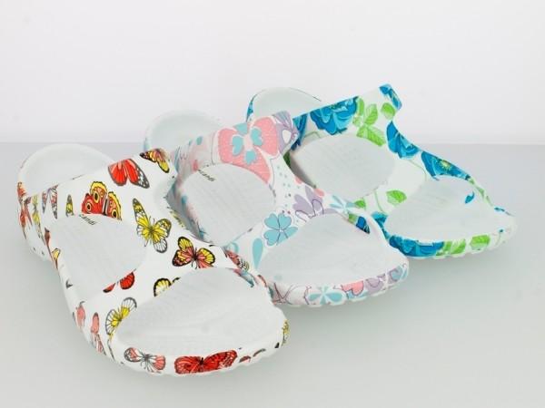 .Da.-Badepantolette, mit Blumen und Schmetterlingen, EVA, weiß-rot + weiß-lila + weiß-blau
