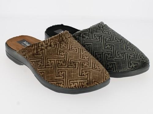 .He.-Pantoffel, TR, Plüschsamt mit Labyrintmuster, graue PU-Sohle, grau+braun